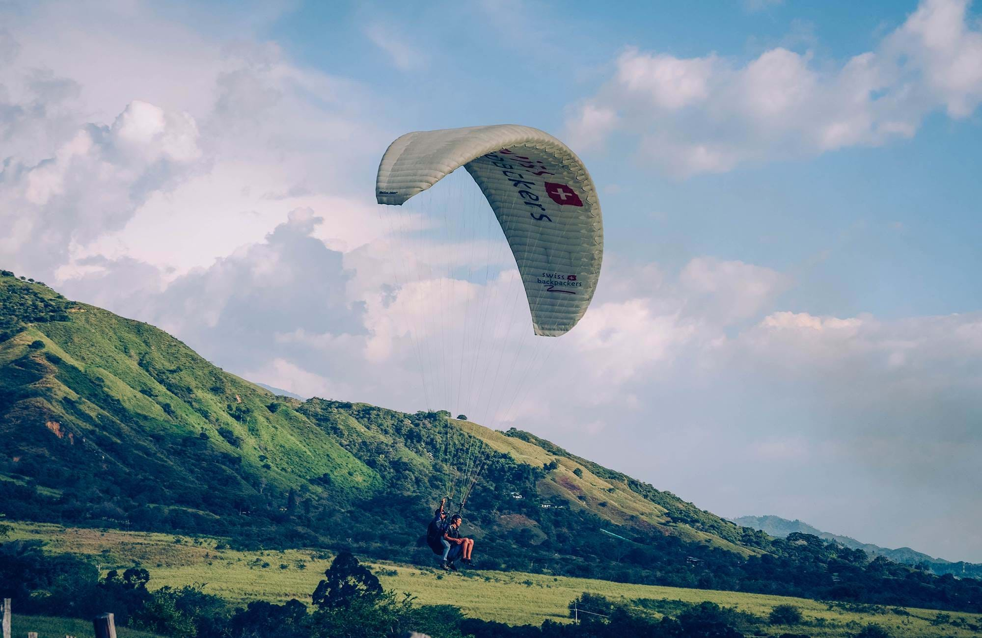 colombia-santa-helena-mountains-paragliding-cover
