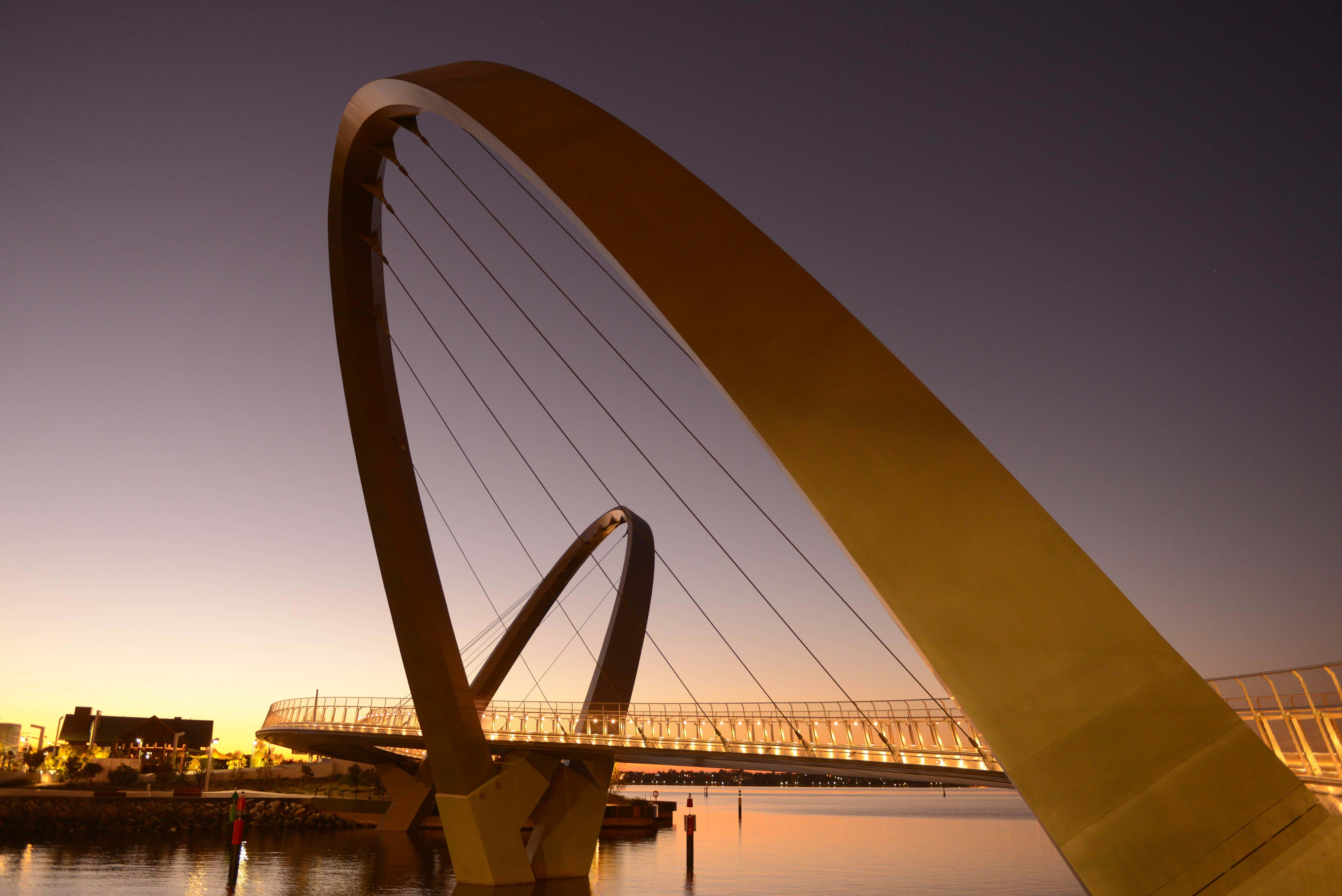 Brug in Perth bij zonsondergang | Studeer in Perth via KILROY
