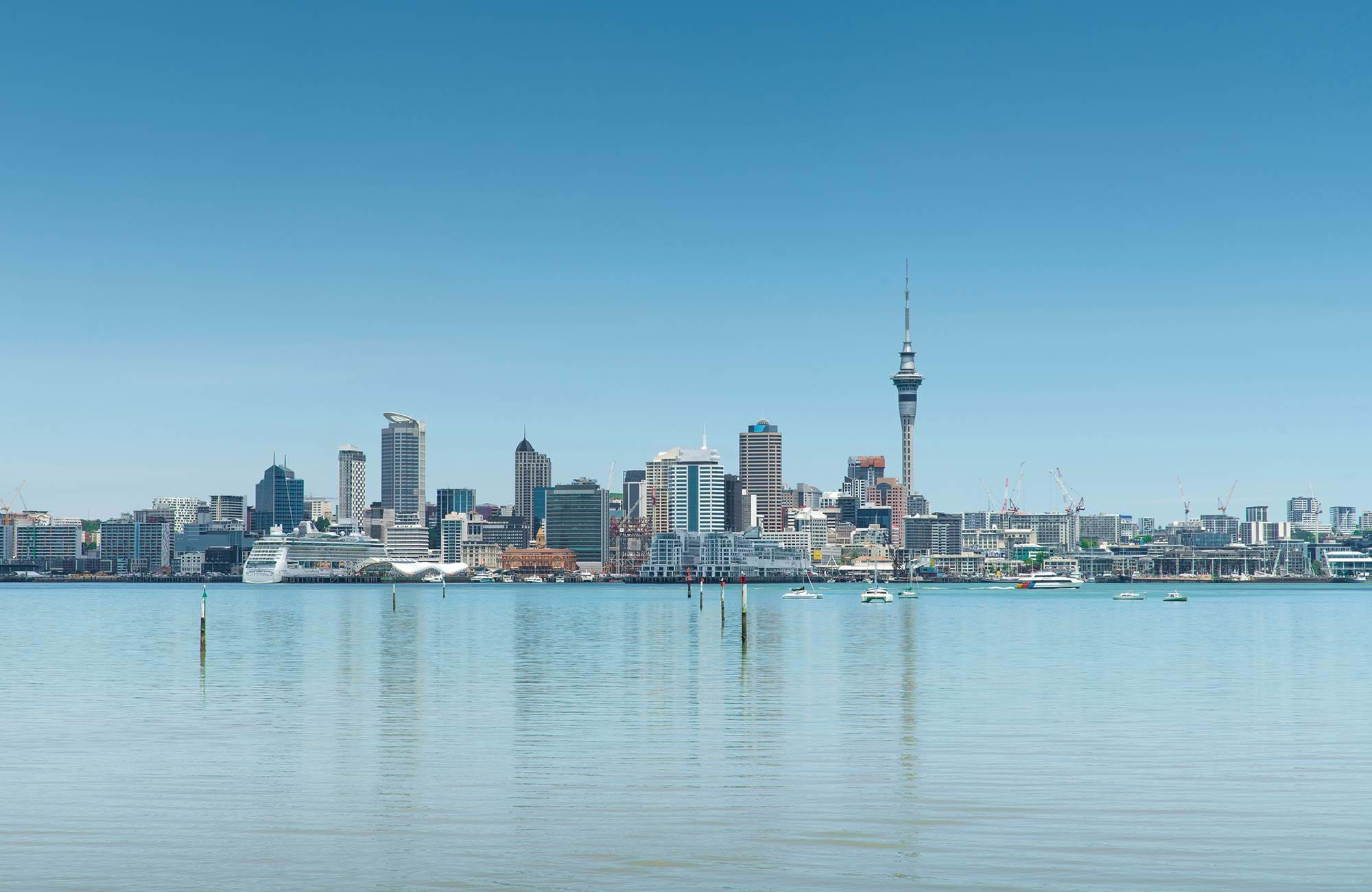 auckland-blue-sky-new-zealand