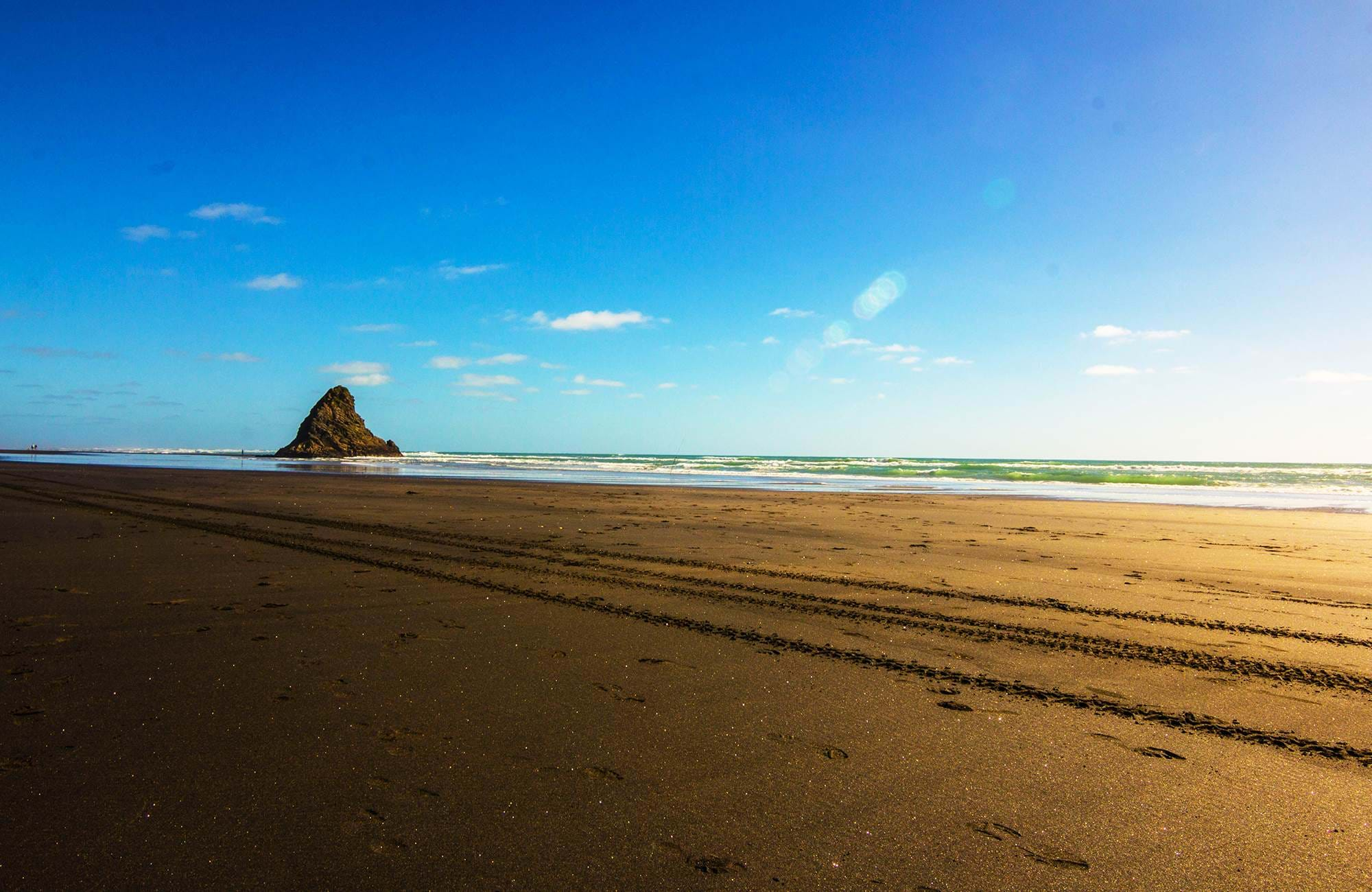 Karekare beach-Auckland-new-Zealand