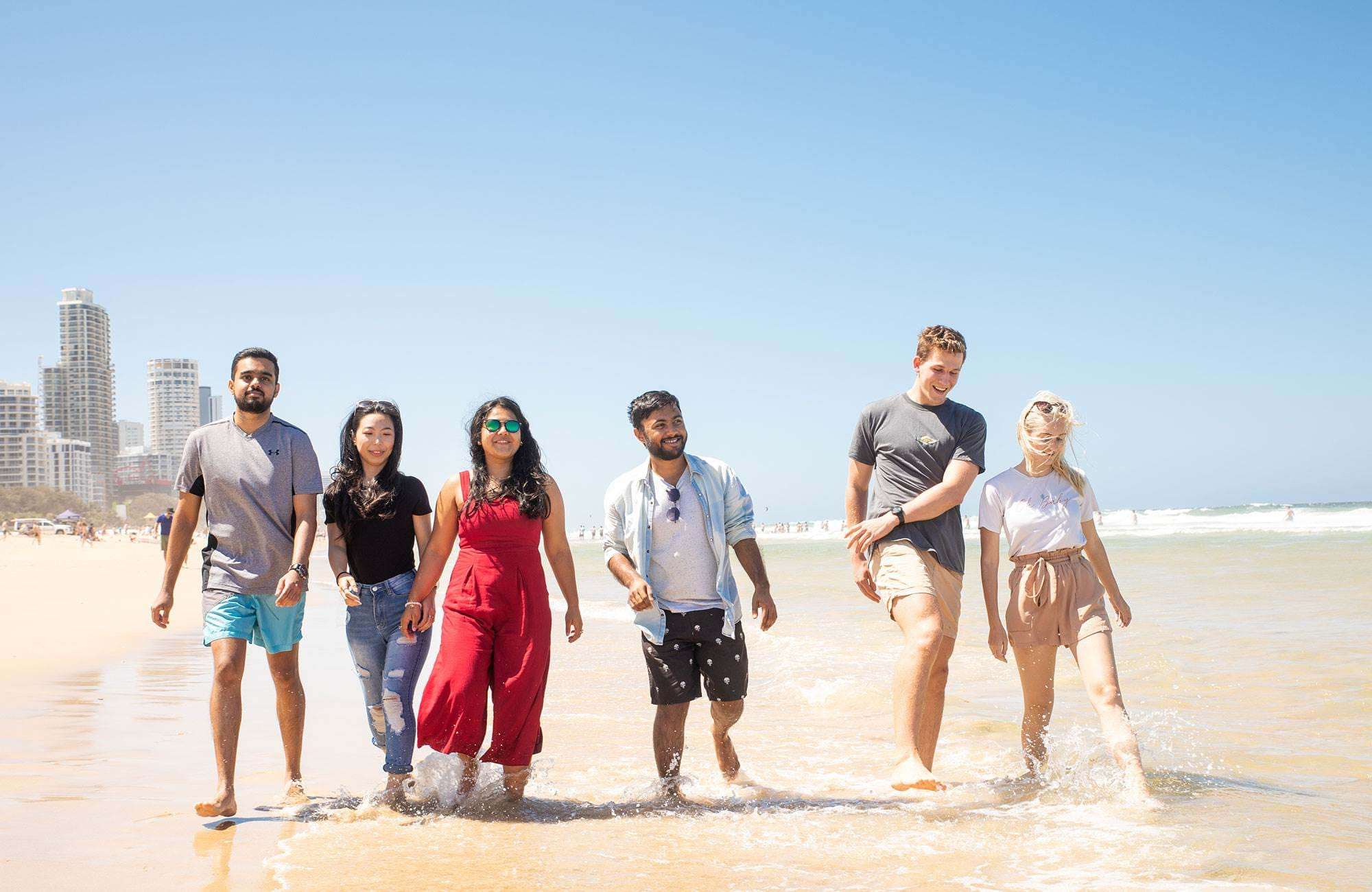 International Students Griffith University At The Beach
