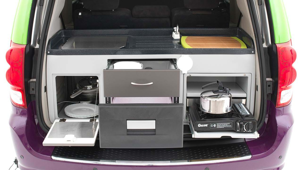 Trailblazer campervan | Compacte kitchenette in de achterbak